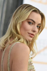 1080x2160 Margot Robbie 2019 New