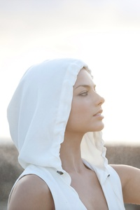Margot Robbie Beach Photoshoot