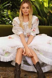 Margot Robbie Caitlin Cronenberg Photoshoot