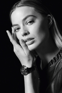 Margot Robbie Chanels J12 Campaign 2021 5k