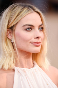 Margot Robbie Eyes