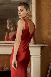 1080x2160 Margot Robbie In Red Dress Photoshoot For Evening Standarad