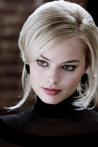 240x320 Margot Robbie Woman