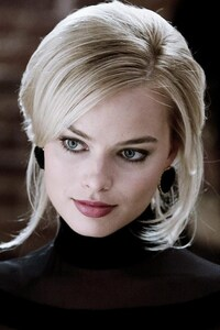 Margot Robbie Women