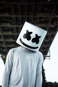 480x854 Marshmello DJ