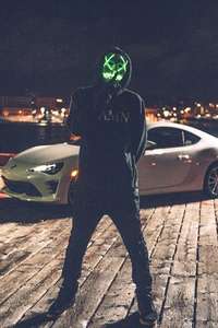 750x1334 Mask Man With Car