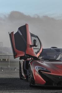 McLaren Doors Up