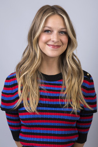 540x960 Melissa Benoist Closeup Face 4k