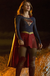 2160x3840 Melissa Benoist Supergirl Tvseries