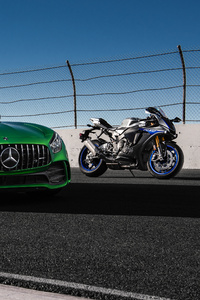 640x960 Mercedes Amg Gtr And Yamaha R1