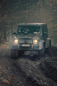 640x1136 Mercedes G500 4x4 Off Roading 5k