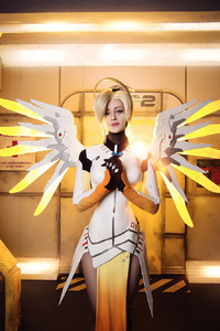 1125x2436 Mercy Cosplay Overwatch