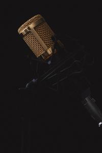1125x2436 Microphone Dark Background 4k 5k