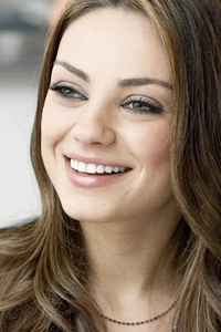 240x400 Mila Kunis Cute Smiling