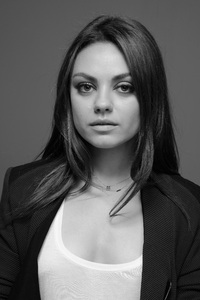 Mila Kunis Monochrome 4k