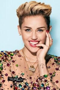 640x960 Miley Cyrus 2