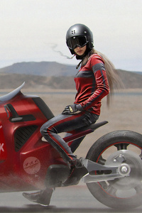 640x960 Modern Biker Girl
