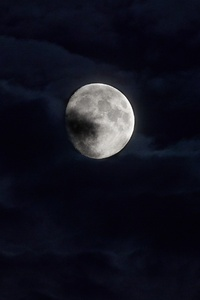 1080x1920 Moon Behind Clouds 5k