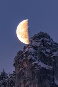 640x960 Moon Over The Bavarian Alps 4k