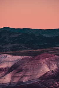 720x1280 Moon Rising Over The Painted Hills 4k