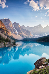 240x320 Moraine Lake South Channel