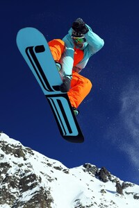 1080x1920 Mountain Skiing HD