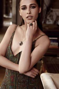 Naomi Scott Elle India
