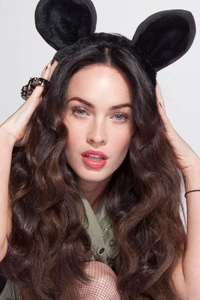 320x568 New Megan Fox 4k