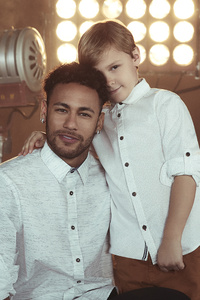 Neymar And David Lucca His Son