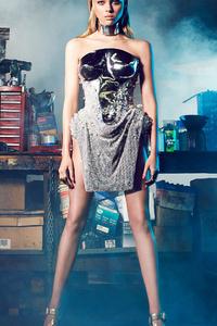Nicola Peltz Harpers Bazaar CH 2017