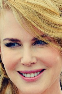 240x320 Nicole Kidman