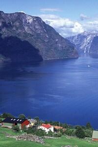 1080x1920 Norway Aurlandsfjord