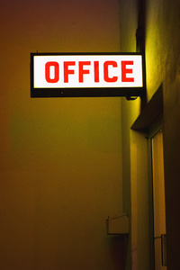 2160x3840 Office Plate Neon Light 5k