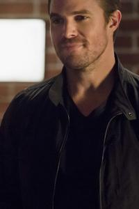 Oliver Queen Arrow Season 6 2017