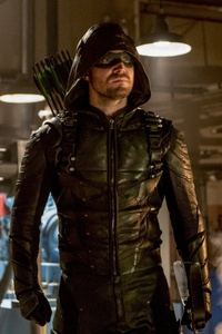 Oliver Queen As Arrow Season 6 2017 Episode 8