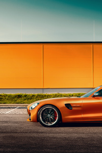320x568 Orange Mercedes Benz Amg GT Side View