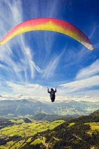 240x320 Paragliding