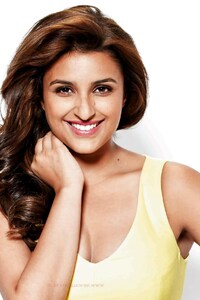 240x320 Parineeti Chopra 8