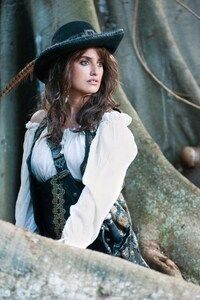 1080x2160 Penelope Cruz In Pirates OF The Caribbean