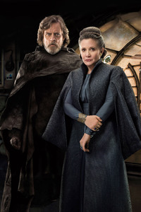 1125x2436 Princess Leia And Luke Skywalker In Star Wars The Last Jedi Movie