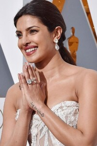 Priyanka Chopra In Oscar Awards