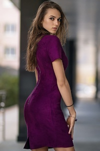 800x1280 Purple Dress Long Hair Model