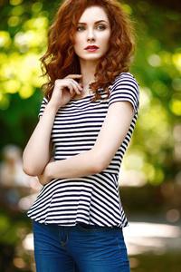 320x480 Readhead Girl Model Bokeh Effect Photography 4k