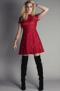240x320 Red Dress Model 4k