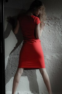 1242x2688 Red Dress Model