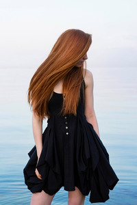 1080x1920 Red Head Beauty Outdoors
