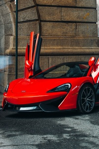 Red McLaren 570S Spider