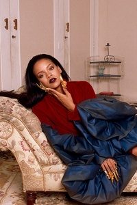 640x960 Rihanna New