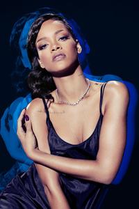 Rihanna SNL 10K