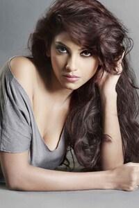 240x400 Risha Yadav
